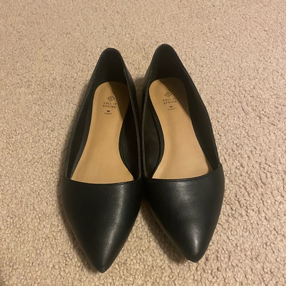 Selling Black Pointed-Toe Office Flats (WITH BOX)